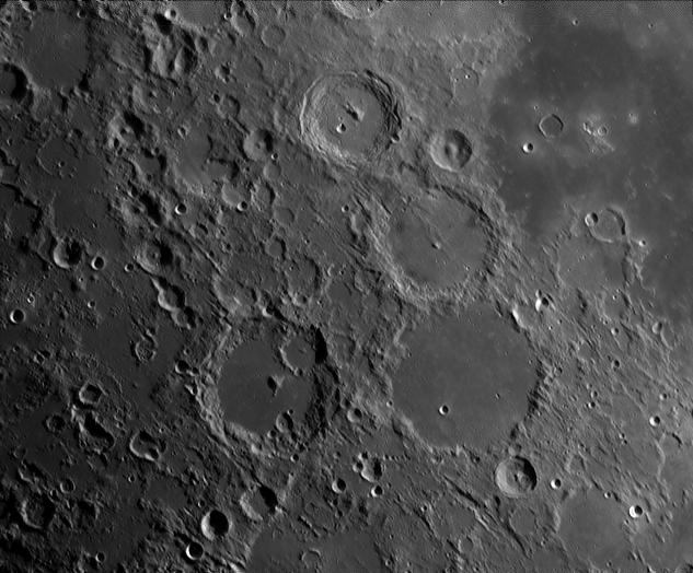 20120710-004921620TU_moon04