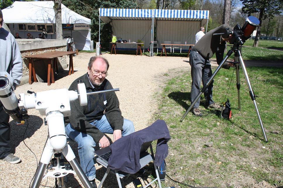Moi (au premier plan) et Yves (sur son NexStar 6 SE) à Triel-Sur-Seine le 05/04/2014